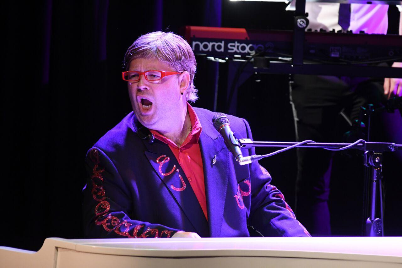 Promo Eton John (Elton John Tribute)  Hertfordshire