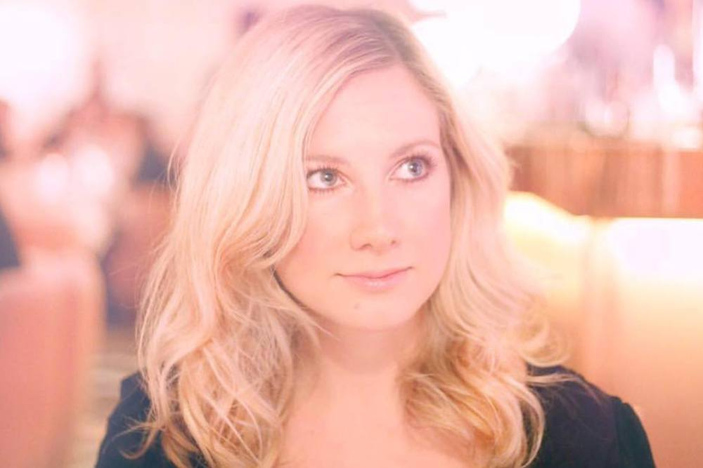 Promo Florence Smith Singer / Guitarist / Pianist / Ukelele London