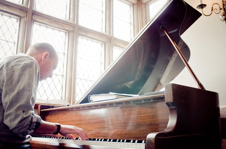 Promo Gary Davies Pianist Staffordshire