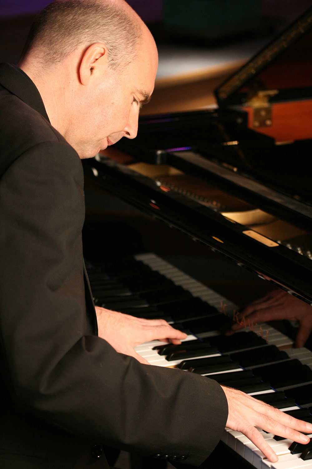 Promo Gary Davies Pianist Newcastle under Lyme, Staffordshire