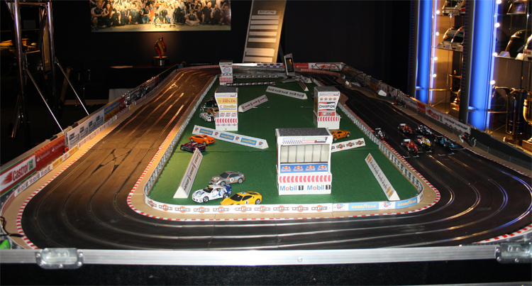 Promo Giant Scalextric Giant Games Cambridgeshire