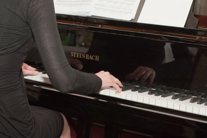 Promo Hannah Ruth Pianist Vale of Glamorgan