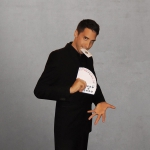 Promo J Winter Close Up Magician Luton, Bedfordshire