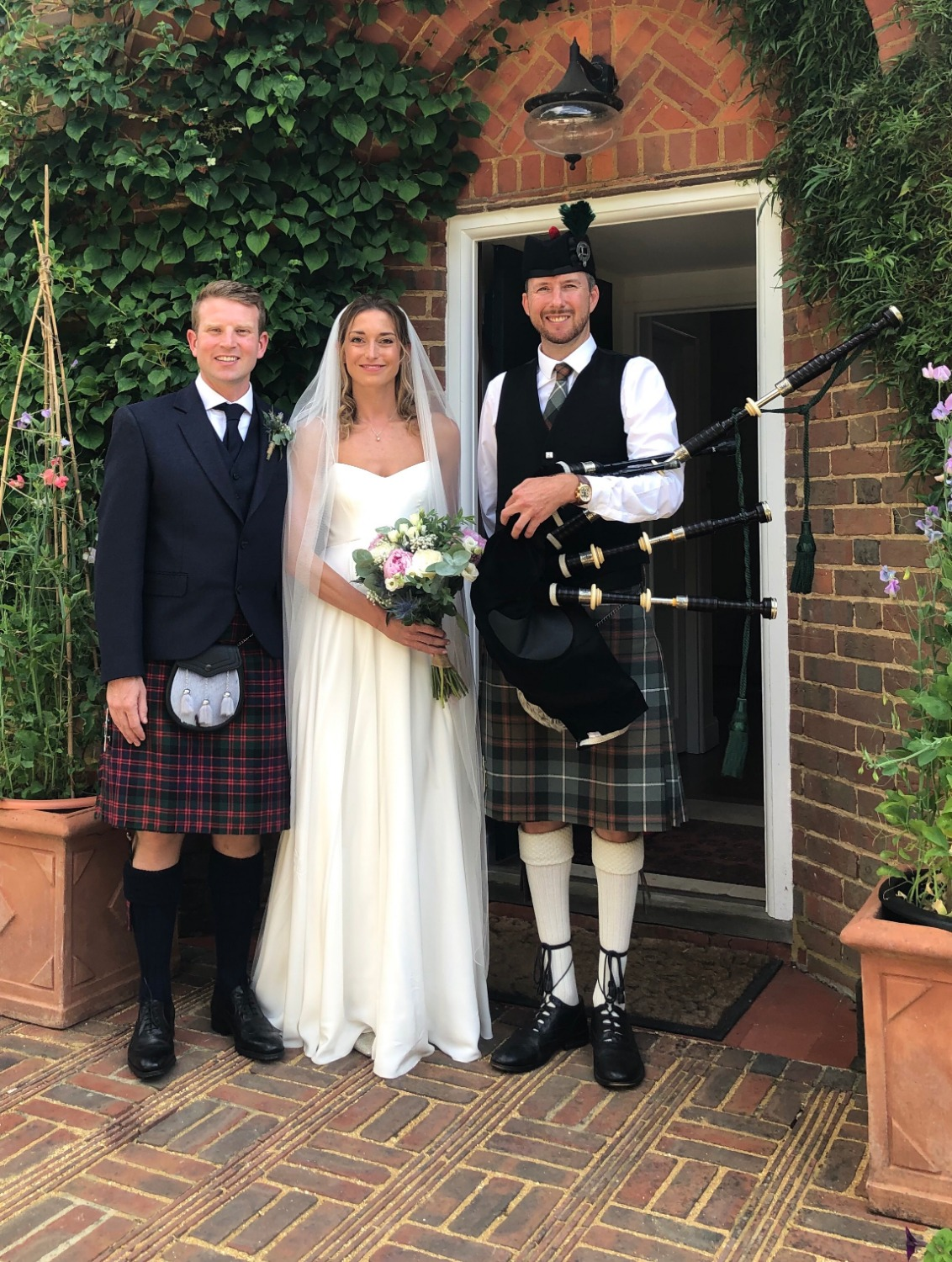 Promo Britains South East Bagpiper Piper London