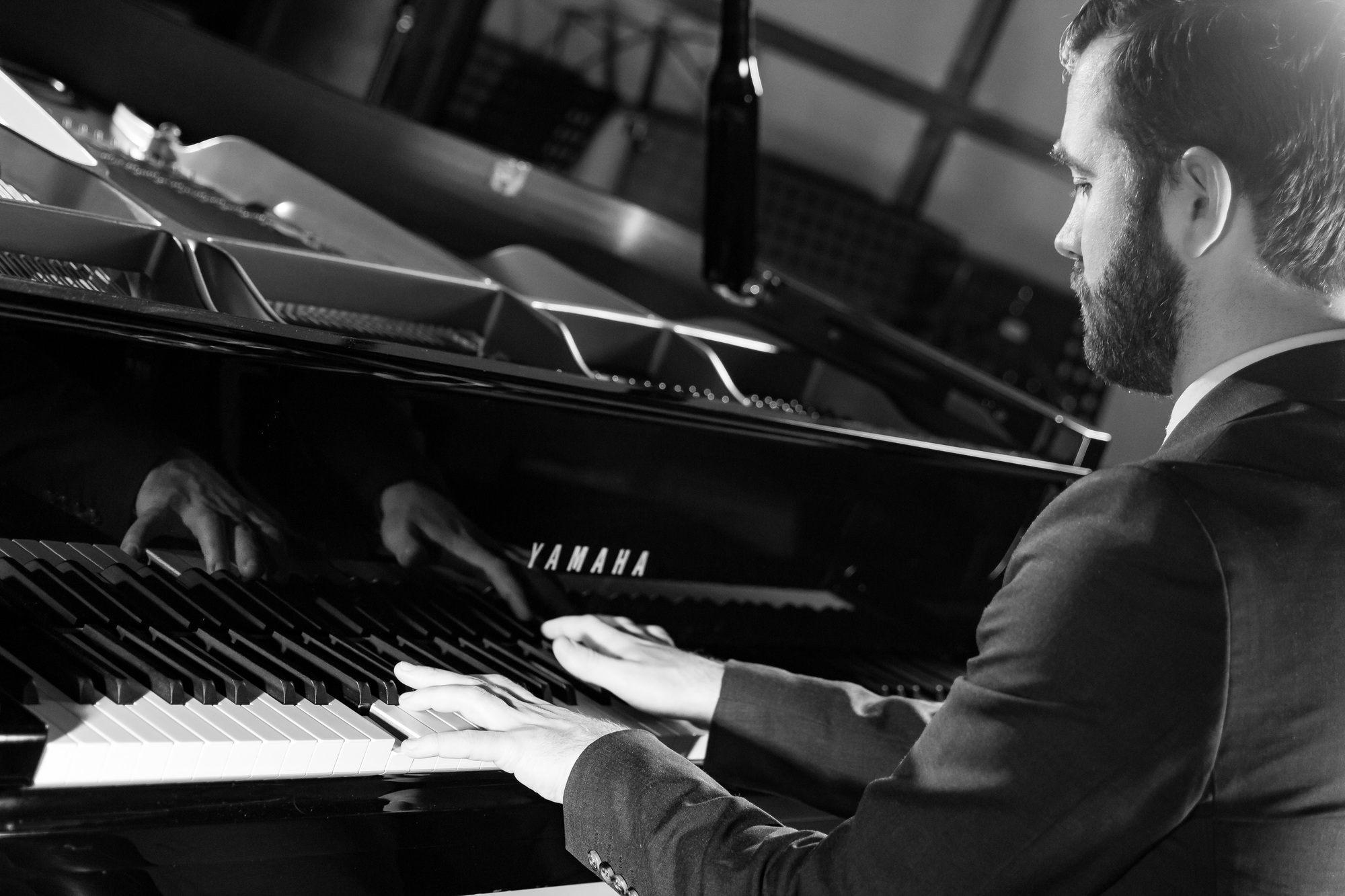 Promo Michael Keysman Pianist London