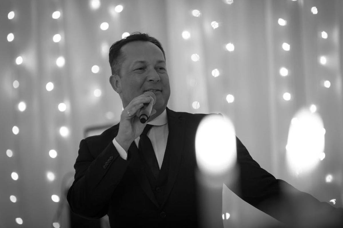 Promo James Sings Versatile Solo Singer / Rat Pack to Modern Pop Lancashire