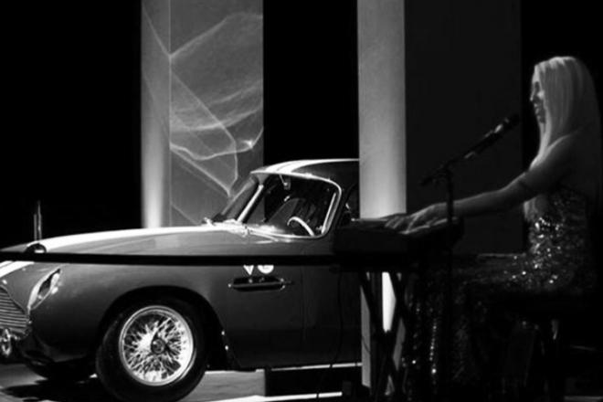 Promo Kiara Solo Singer/ Pianist London