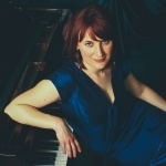 Promo Lily Davies Singer/Pianist London