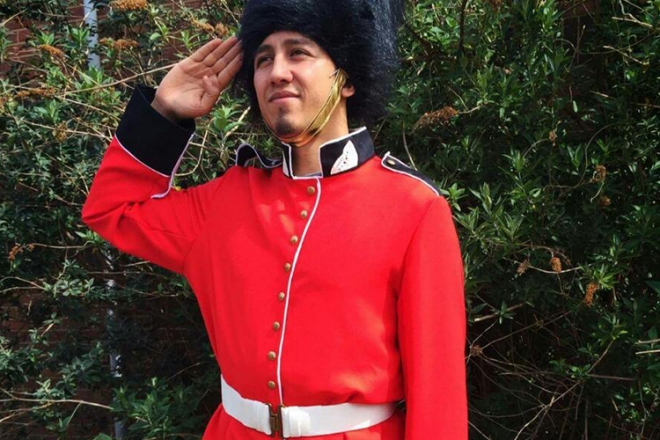 Promo London Guards London Guards Walkabout Characters Leicestershire