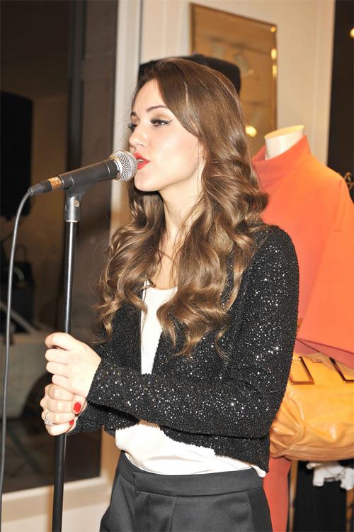Promo Louise Solo Singer London