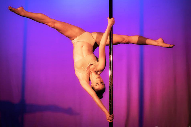 Promo Lyndy Jane Professional Pole Dancer London