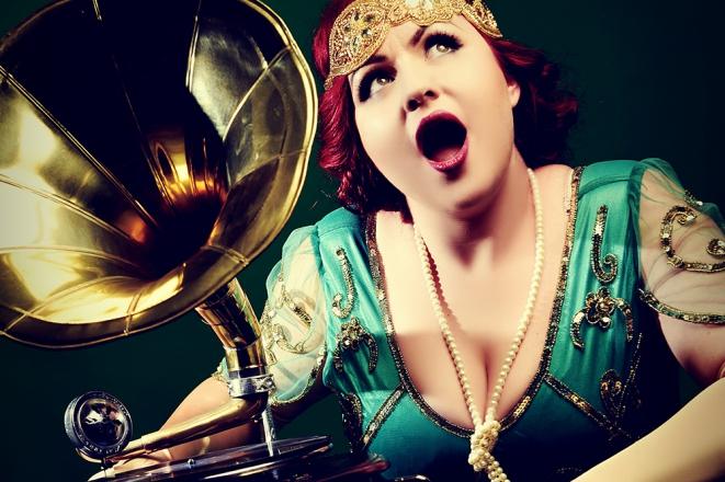 Promo Miss Scarlet La Rouge Vintage Gatsby Singer Derbyshire