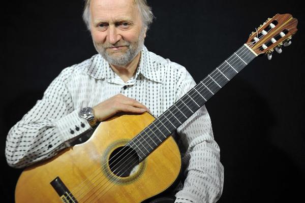 Promo Philip Bailey (Guitarist) Classical Guitarist Devon