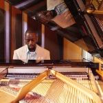 Promo James Nicholas Singer/Pianist Bedfordshire