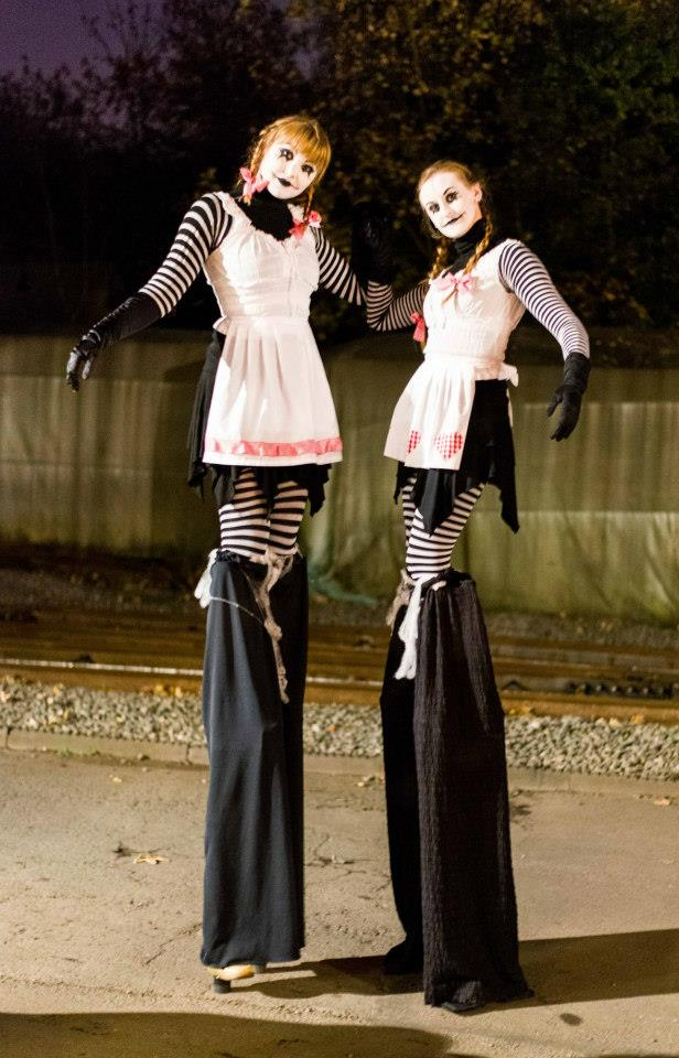Promo Halloween Stilt Walkers Street Performer Leicestershire
