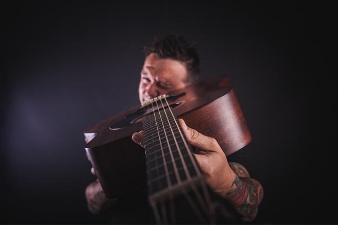 Promo Richie Solo Singer/Guitarist Kent
