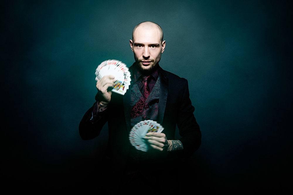 Promo Sam De Vere Magician Cheshire