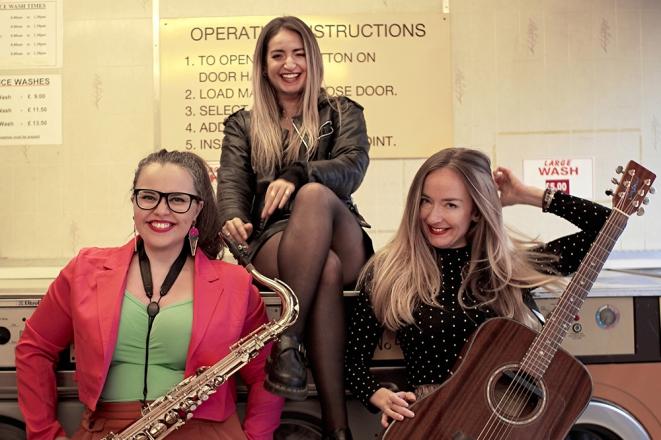 Promo SHE Roams Acoustic Band London