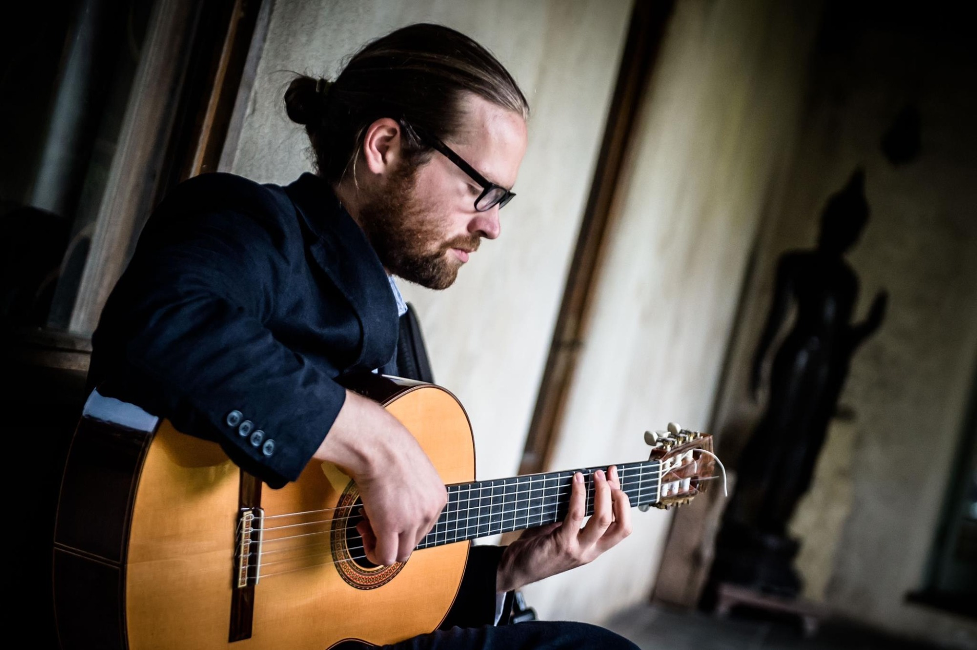 Promo Stephen Thomas Classical Guitarist Vale of Glamorgan