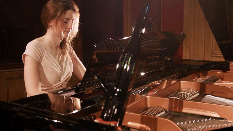 Promo Hannah Ruth Pianist Glamorgan