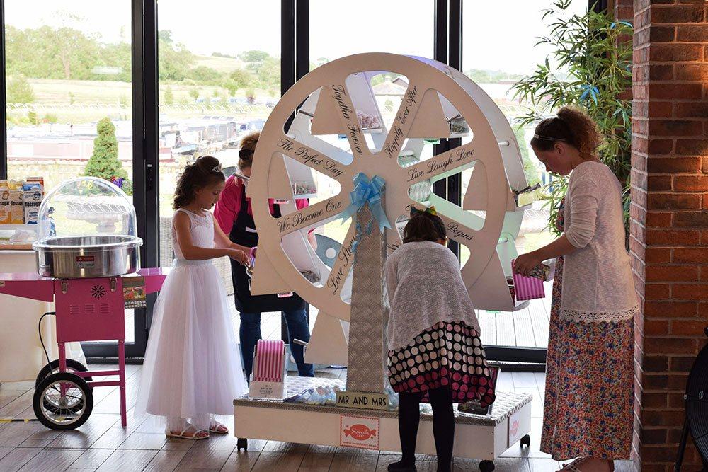 Promo Sweet Cart Ferris Wheel Sweet Supplier Staffordshire
