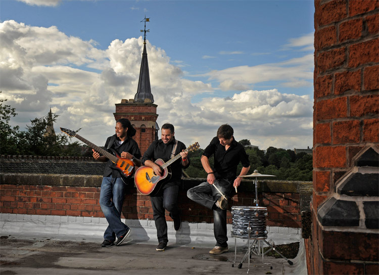 Promo The Roots Acoustic Trio  Nottinghamshire