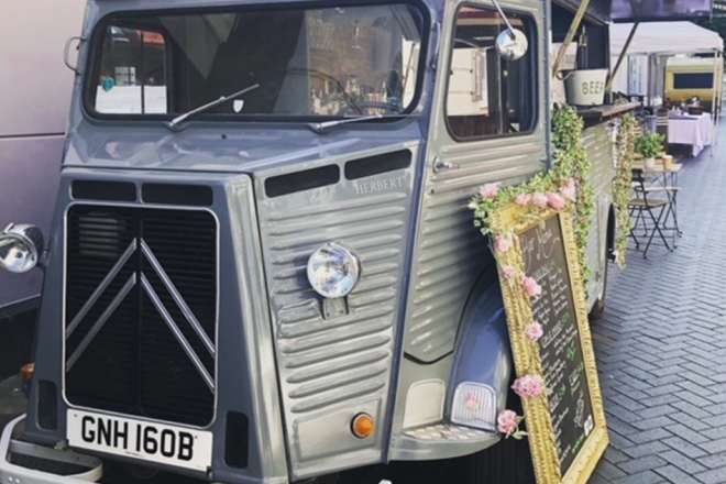 Promo The Vintage Van Mobile Bar Staffordshire