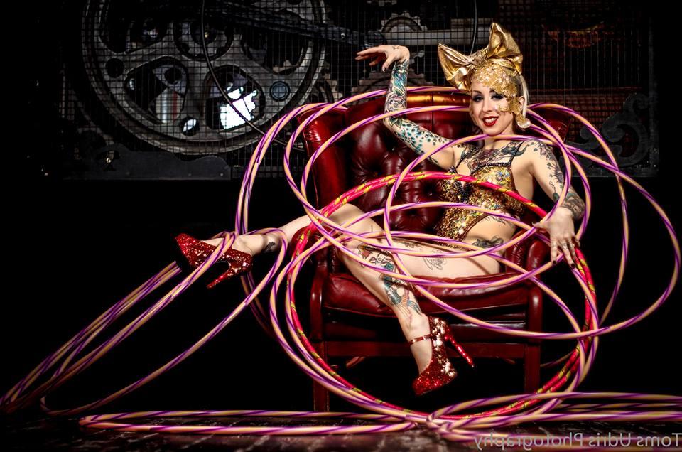 Promo Roaring 20s Cabaret Show Circus Performer East Sussex