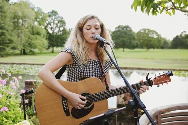 Promo Virtual Mini Gigs With Kelly Barnes Singer Guitarist London