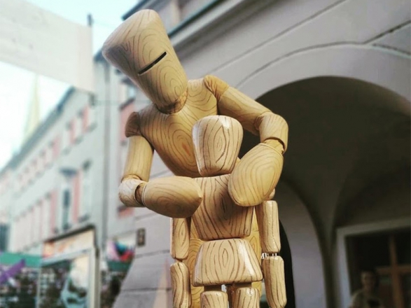 Promo Wooden Figurine Living Statue London