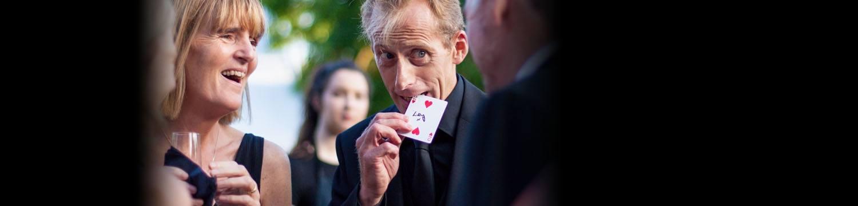 close up magician brett magician west midlands