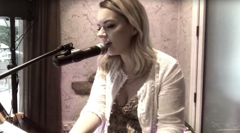 Francesca Adams | Solo Singer West Yorkshire | Alive Network