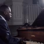 Video James Nicholas Singer/Pianist Bedfordshire