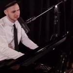 Video Jon Andrews Singer/Pianist London