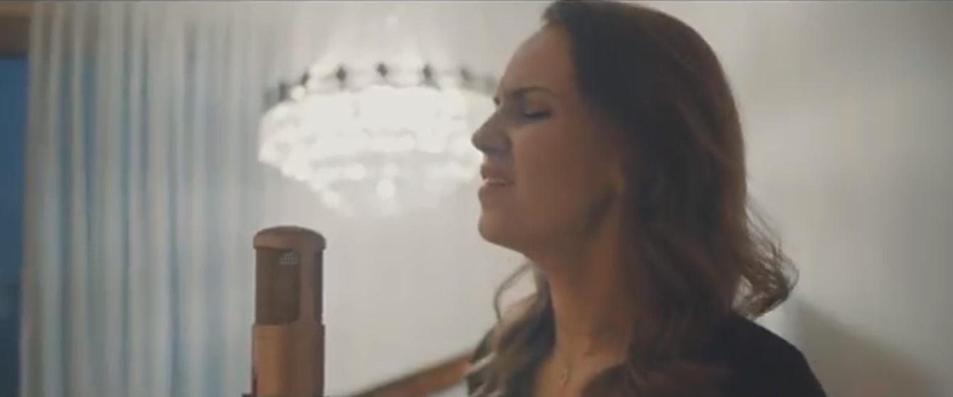 Video Louise Solo Singer London