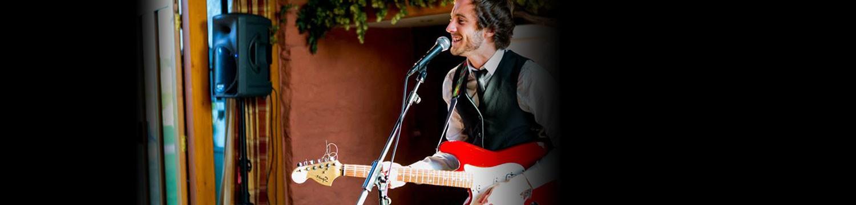 joe william solo singer/guitarist wiltshire