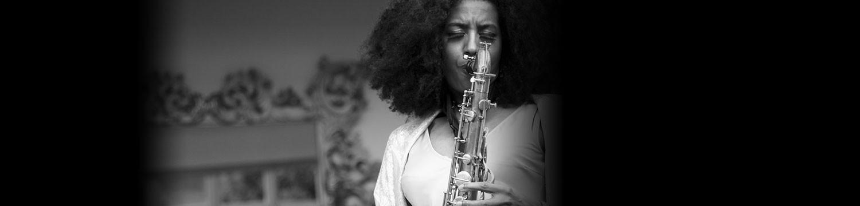 sax goddess (saxophonist) solo saxophonist cheshire