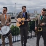 Video The Stringfellows Acoustic Band London