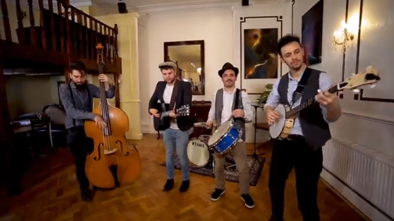 Video The Wanderful Four  London